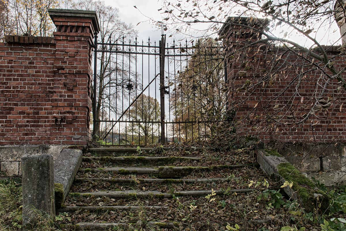 Hřbitovy-Umění pouštět 6